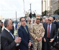 صور..رئيس الوزراء يتفقد تطوير كورنيش النيل من كوبري 15 مايو وحتى كوبري إمبابة