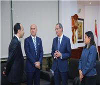وزير الاتصالات يلتقي رئيس شركة «أڤايا» العالمية