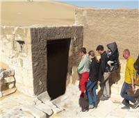وفد سياحي أوكراني يزور المناطق الأثرية بالمنيا