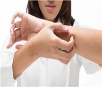 فصل الشتاء  طبيب أمراض جلدية يقدم طرق التخلص من «جفاف الجلد»
