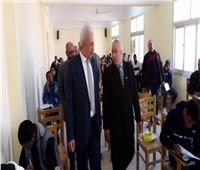 صور| نائب رئيس جامعة الأزهر يتفقد لجان امتحانات كلية الدراسات الإسلامية بأسوان