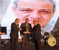 «مستقبل وطن» يكرم عمرو الخياط رئيس تحرير أخبار اليوم