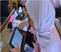 التعليم: 506 ألف طالب بالثاني الثانوي أدوا امتحاني الأحياء والفلسفة إلكترونيًا