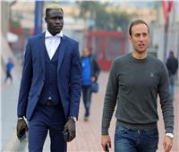 «أليو بادجي» يصل الأهلي لبدء رحلته مع الفريق