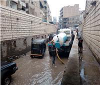 رئيس مدينة المحلة يتابع عملية شفط مياه الأمطار