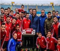 صور| بيراميدز يحتفل بدخول عبد الله السعيد نادي المائة