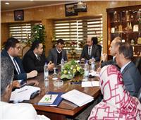 محافظ أسوان يتابع الموقف التنفيذي لمشروعات تحيا مصر
