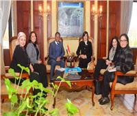 مكرم تلتقي المدير الإقليمي لبرنامج الأغذية العالمي لبحث سبل التعاون