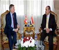 وزير الطيران المدني يستقبل سفير كندا بالقاهرة