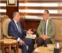 وزير التنمية المحلية يناقش تنفيذ المشروعات الجارية بالشرقية