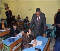 شعيب يتفقد لجان امتحانات الشهادة الإعدادية بمطروح