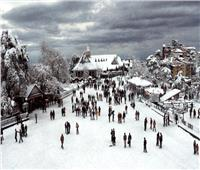 بسبب الثلوج.. تعليق حركة السير بالشطر الهندي من إقليم كشمير