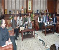 محافظة المنيا توقع 909 عقدا لتقنين أوضاع أراض أملاك الدولة