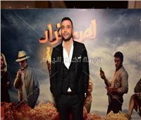 """محمد عادل إمام يصل العرض الخاص لفيلمه """"لص بغداد"""""""