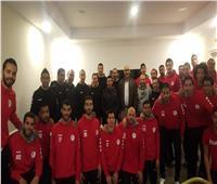 وزير الرياضة يحفز أبطال منتخب مصر لكرة اليد بتونس