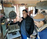 مكافأة ومجازاة أثناء جولة رئيس «السكة الحديد» بخط القاهرة/ الإسكندرية