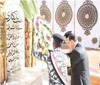 محافظ الشرقية يضع إكليلًا من الزهور على النصب التذكاري للشهداء