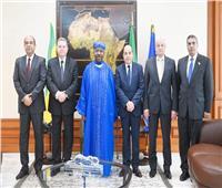 وزير قطاع الأعمال يلتقي الرئيس الجابوني لبحث تعزيز التعاون المشترك