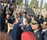 """بالفيديو.. إعلامي: المواطنون توافدوا على """"صوان"""" الشرطة للتهنئة بالعيد الـ 68"""