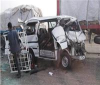 إصابة 6 أشخاص في حادث تصادم ميكروباص أعلى الأوتوستراد
