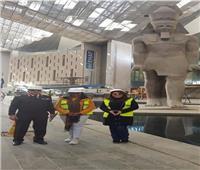 حفيدة نيلسون مانديلا تزور المتحف المصري الكبير