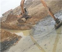 محافظ أسوان يتابع أعمال تطهير مخر السيول
