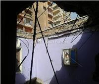 صور| انهيار جزئي لعقار في الإسكندرية.. وقرار عاجل من الحي