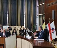وزير قطاع الأعمال يوجه «القابضة للأدوية» بسرعة تحديث خطوط الإنتاج