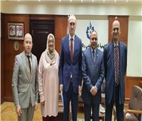 رئيس أكاديمية البحث العلمي يلتقي سفير بيلاروسيا في القاهرة