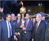 محافظ الدقهلية يوقد الشعلة لبدء الاحتفالات بالعيد القومي للمحافظة