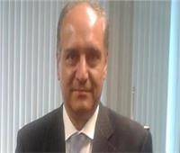 السفير أحمد فاروق يُقدم أوراق اعتماده للرئيس اليمني