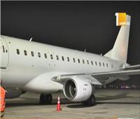 هبوط طائرة خاصة تحمل 32 صياداً مصريًا تم احتجازهم في اليمن
