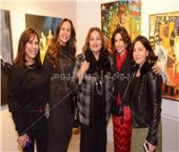 صور| منى رجب تفتتح معرض فن التنوع لـ9 فنانات مصريات