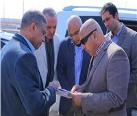 صور| وزير النقل يتابع تنفيذ أعمال تطوير وصيانة الطريق الدائري