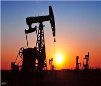 النفط يهبط مع تقييم المتعاملين طلب الصين وانتظارهم تخفيضات أوبك+