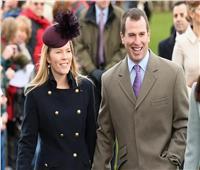 صحيفة: بيتر فيليبس حفيد ملكة بريطانيا ينفصل عن زوجته