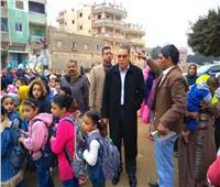 محافظ الشرقية يقدم واجب العزاء لتلاميذ مدرسة أبو طوالة في وفاة زميلهم