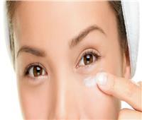 6 أسباب لانتفاخ العين.. أبرزهم «الملح والعدسات اللاصقة»