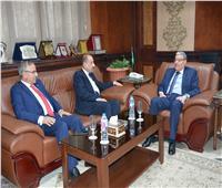 محافظ المنيا يوقع بروتوكول تعاون مع بنك التنمية الصناعية