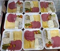 «الطعام للجميع والطبق بـ10 جنيهات».. شعار يرفعه عدد من محال شبرا الخيمة