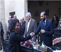مكتبة الإسكندرية تكرم المشاركين في أنشطة «زاهي حواس» للمصريات