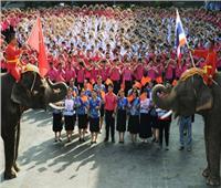طلبة تايلاند يرسلون تحية للصين في عيد الحب