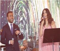 صور  «دويتو» آمال ماهر وتامر عاشور في حفل عيد الحب على أنغام «قالوا بالكتير»