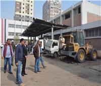 محافظ المنيا يتابع سير العمل داخل مركز الصيانة الرئيسي