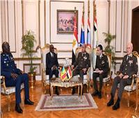 الفريق أول محمد زكى يلتقى وزير القوات المسلحة بجمهورية السنغال