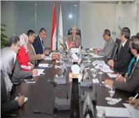 وزيرة البيئة تناقش الوضع الحالي للمدافن الصحية للمخلفات