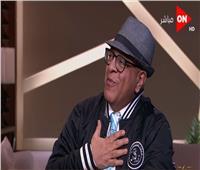 عنتر هلال يعلن استقالته «الغنائية» على الهواء