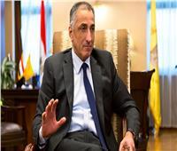 طارق عامر: أجرينا مقابلات مع 142 عميلًا متعثرًا.. وإعادة تشغيل 81 مصنعًا