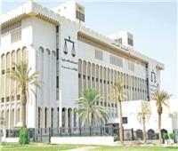 الكويت تمنع سفر وزير داخليتها السابق وآخرين للتحقيق في قضايا مال عام