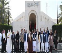 العاهل البحريني ورئيس مجلس الشيوخ الباكستاني يبحثان المستجدات